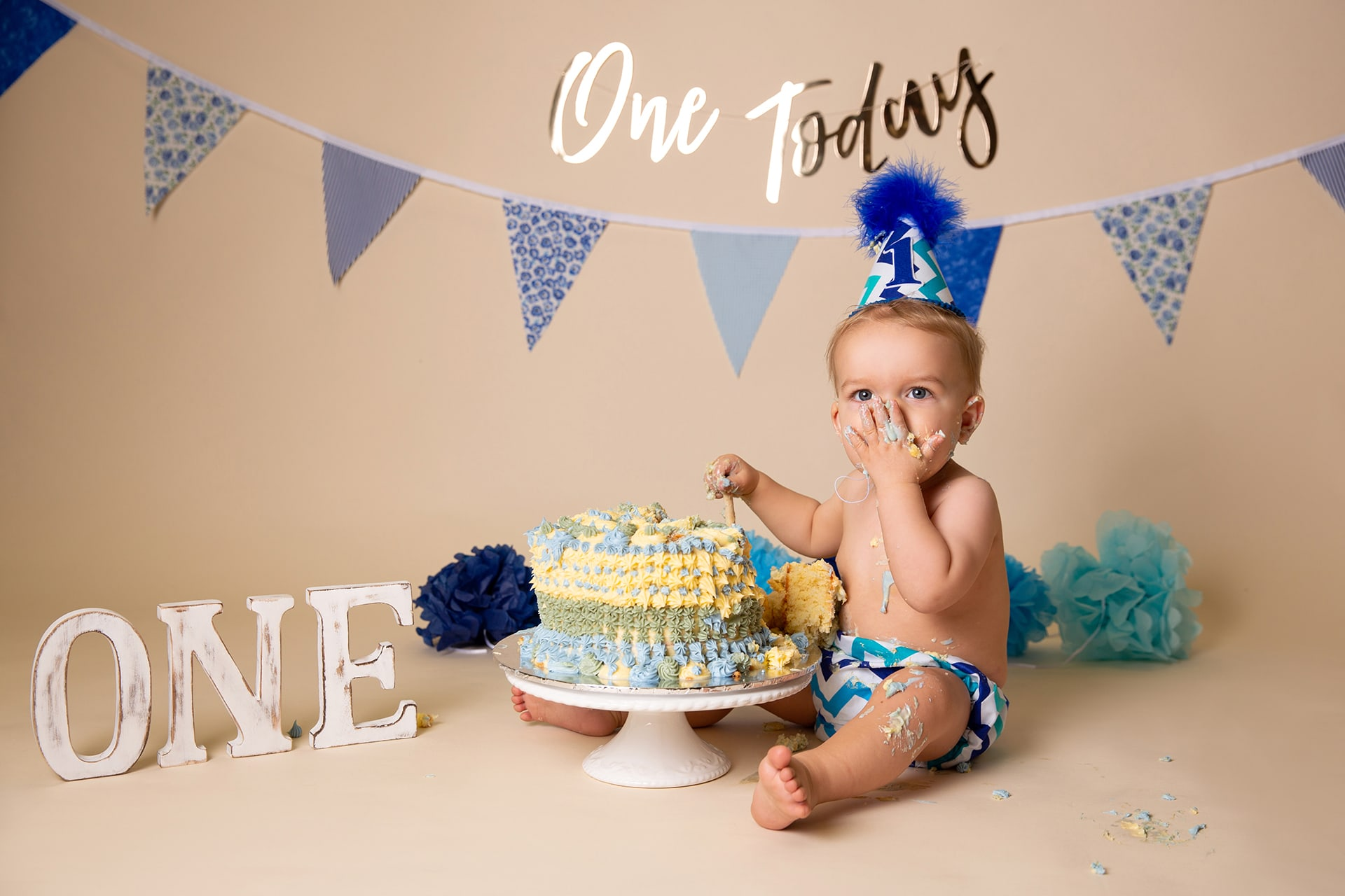 cake-smash-photoshoot