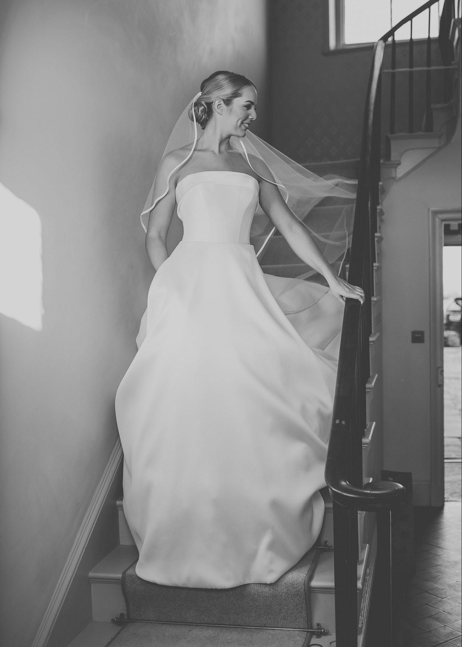 bride-staircase-wedding-dress