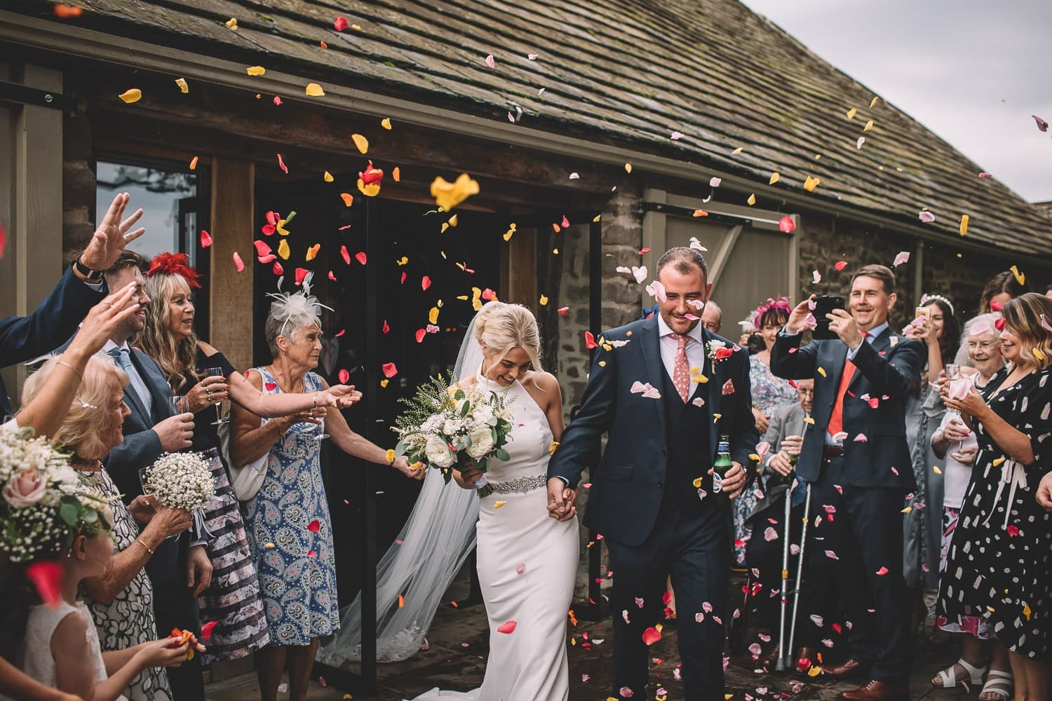 confetti-wedding-tithe-barn